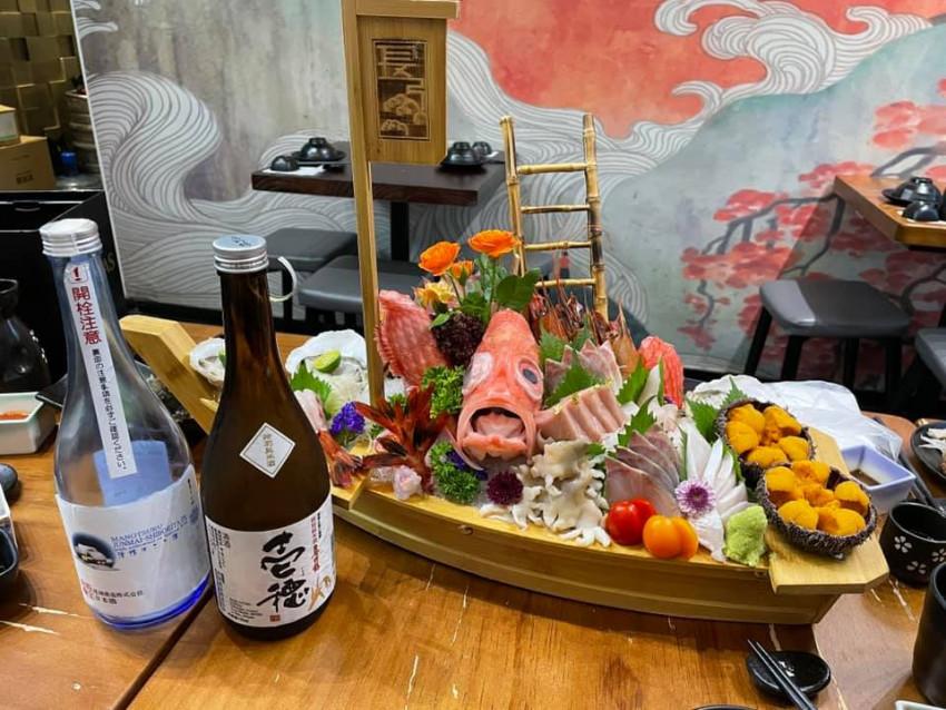【長弓秀吉】雜錦刺身拼火焰壽司船憑券特價$400 到店付款 (原價: $948)