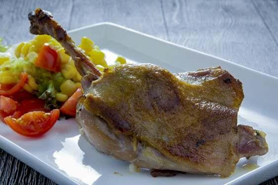 龍蝦海鮮拼盤/油封鴨腿/西班牙黑毛豬扒/古法香烤荷葉放養雞(Ms Blossom Cafe)