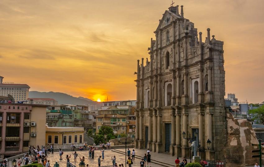 St-Paul-macuo-ruins-sunset-main-facade