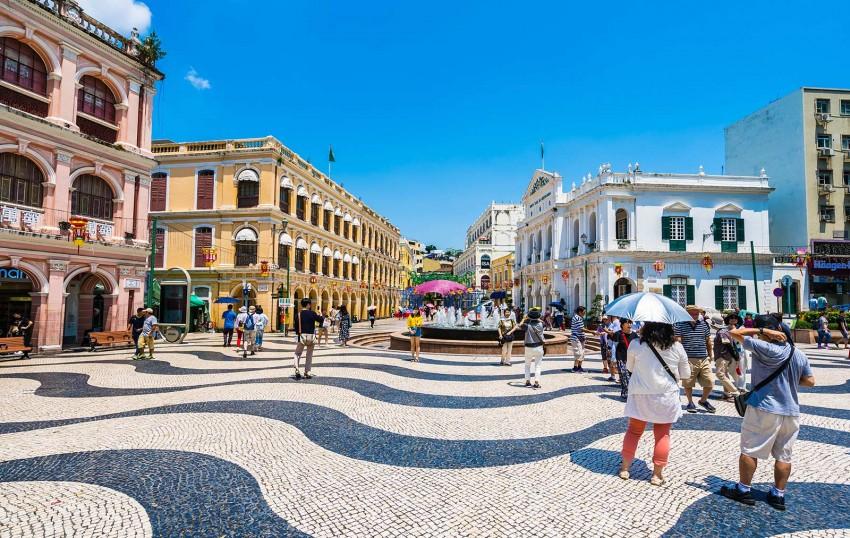 Macao-old-architecture-building-senado-square