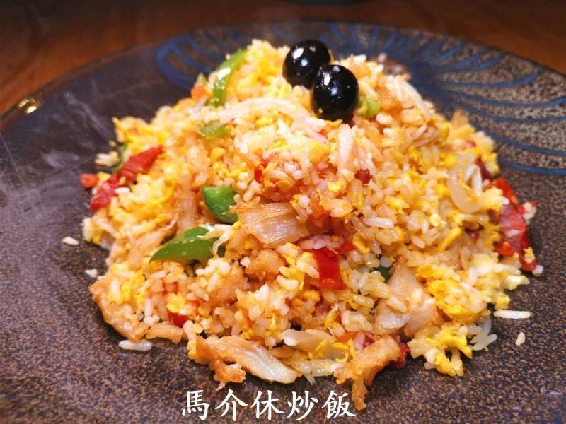 燒魷魚筒/薯茸忌廉/非洲雞/馬介休炒飯(澳葡坊餐室)