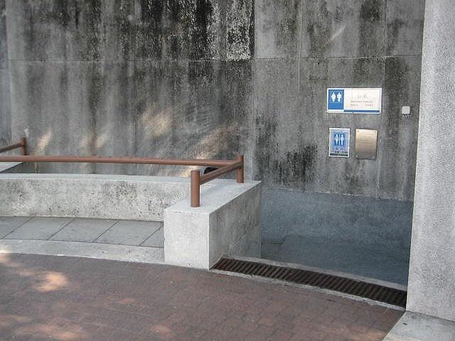 M32 主教山眺望台公廁
