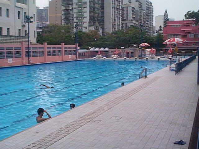新花園泳池