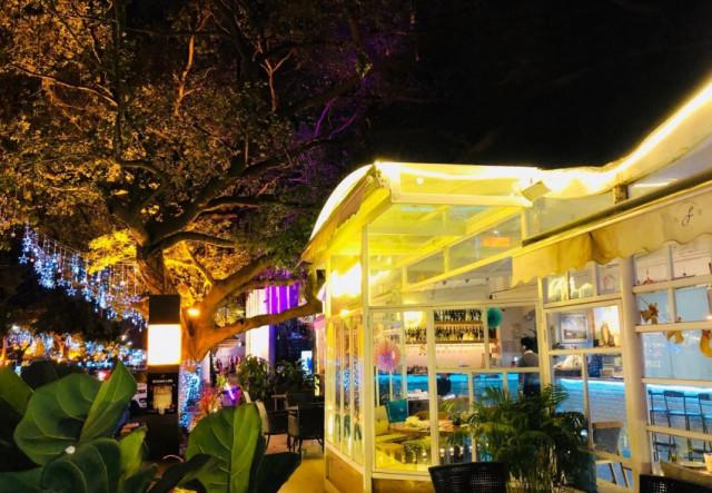 水灣酒吧街