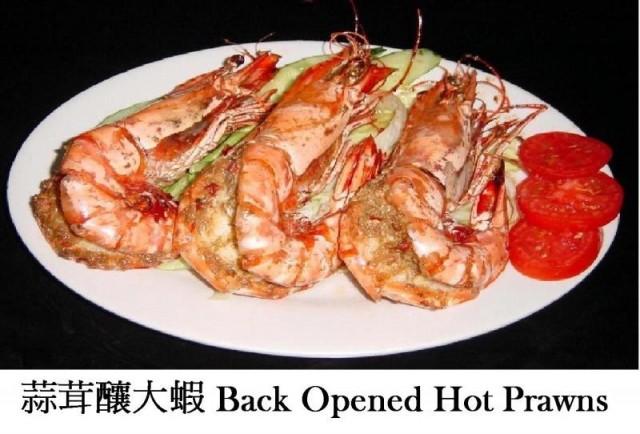 咖喱蟹/葡式乳豬/美國肉眼扒/蒜茸釀大蝦/白烚馬介休/葡式燒雞(木偶葡國餐廳)