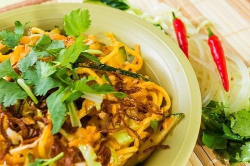 正宗魚湯面 / 椰汁咖喱雞面 / 緬甸撈面 (368小食)