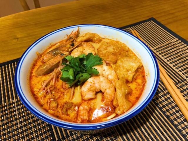 鮮叻沙米線 /雞扒叻沙麵 /泰式肉碎飯 (阿婆出品)